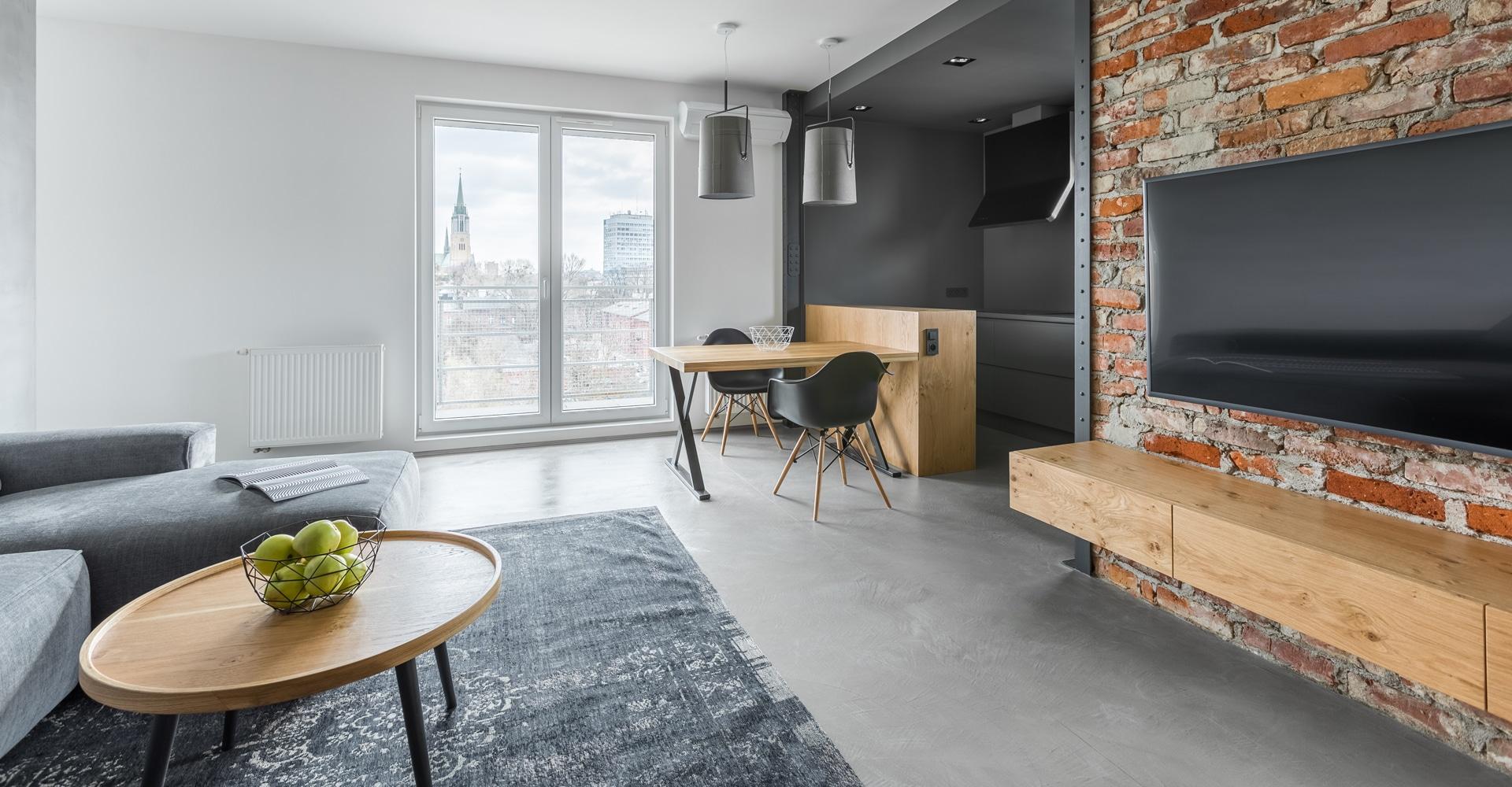Cementgebonden gietvloer in woonkamer