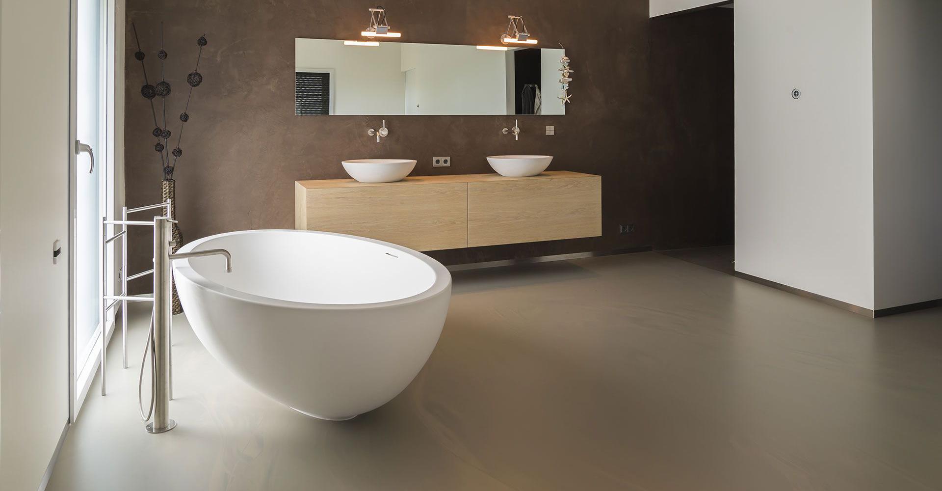 Gietvloer badkamer met betonlook