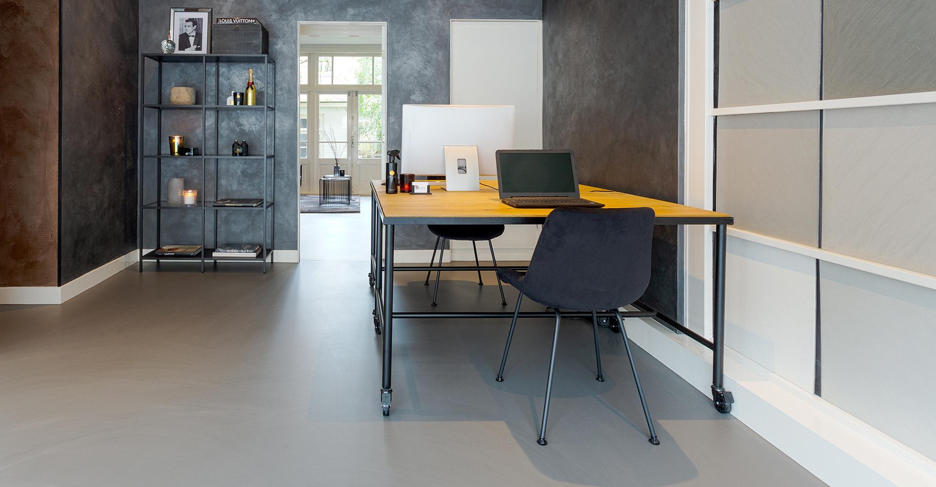 Gietvloer showroom G-vloeren betonlook gietvloer